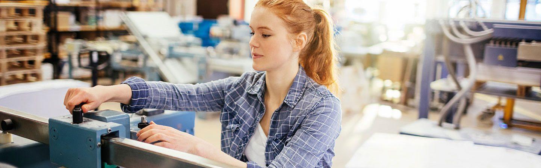 Beliebte Ferienjobs: Auch Handwerksberufe sind beliebt bei Schülern und Studenten